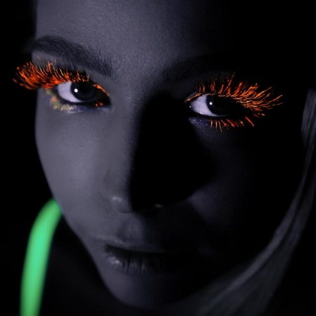 uv-eye-mascara-orange